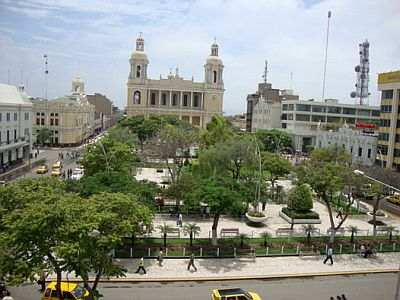 Chiclayo, square and cathedral