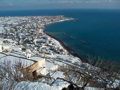 Snow in Skyros